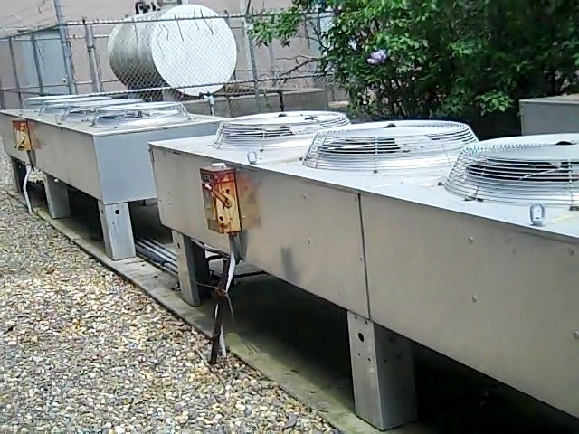 kig inc new and used liebert units data center cooling condensers · control panel · fan